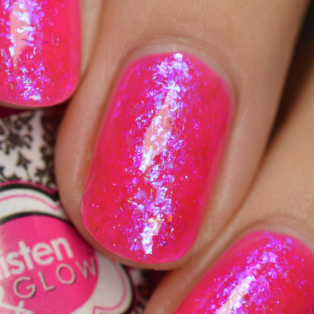 swatch glisten&glow pink in the city 5